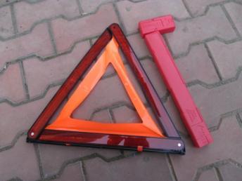 Знак аварийной остановки AUDI (2006-) / VW (2006-) 8K0860251 БУ 8K0860251