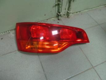 Фонарь в крышку багажника AUDI Q7 БУ 4L0945093