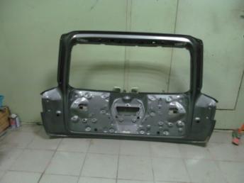 Пятая дверь AUDI Q7 4M0827025B