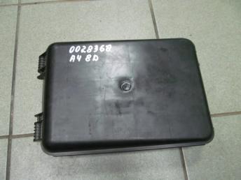 Корпус блоков управления AUDI A4 (1995-2001) / A6 (1998-2005) / VW PASSAT B5 / B5 PLUS (1997-2005) БУ 8D0927355A