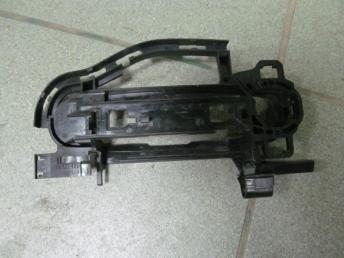 Опорный элемент внутреный ручки открывания двери с наружи передний = задний левый AUDI A6 (2005-2011) БУ 4F0837885D