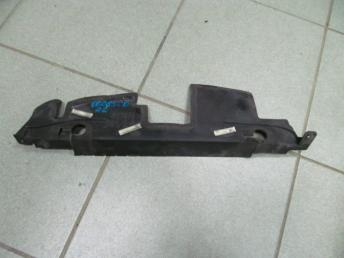 Пыльник радиатора левый  AUDI A2 (2000-05) 8Z0121283E БУ 8Z0121283E