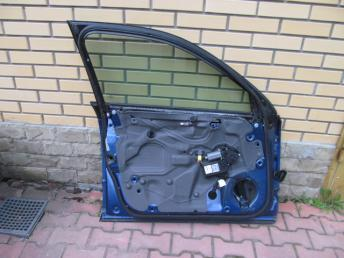 Дверь передняя левая AUDI А4  8E0831051J