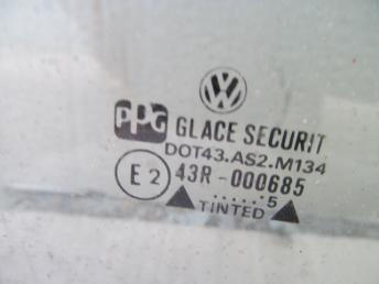 Стекло передней правой двери VW GOLF / VENTO (1992-1998) БУ  1H4845202A