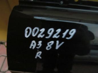 Дверь правая AUDI A3 БУ  8V3831052C