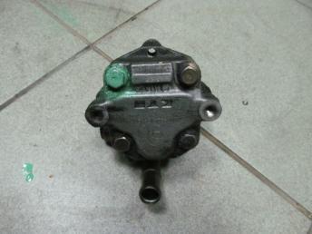 Насос ГУРа VW BORA (1999-2005) / GOLF 4 (1998-2006) 4 цилиндра бензин 1J0422154BX БУ  1J0422154BX