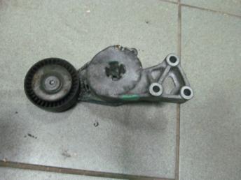 Натяжитель приводного ремня 06A903315E AUDI (1997-2013) / VW (1996-2014) БУ 06A903315E