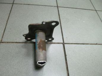 Кронштейн переднего бампера левый AUDI TT БУ  8N0807133