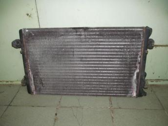 Радиатор охлаждения ДВС AUDI А3 (1997-2003) / VW BORA (1999-2005) / VW GOLF 4 (1998-2006) 650х414мм 4 / 5 Цилиндров МКПП БУ 1J0121253N