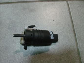 Насос стеклоомывателя 1K6955651 AUDI / SEAT / SKODA / VW БУ  1K6955651