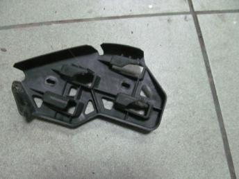 Направляющий профиль переднего бампера правая VW POLO (2005-2010) БУ  6Q0807184A