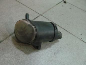 Фара противотуманка правая VW PASSAT B5 PLUS (2001-2005) БУ разбито стекло 3B7941700A