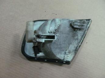 Поворотник правый AUDI А3 (1997-2000) HELLA БУ сломан 1 кронштейн  8L0953050