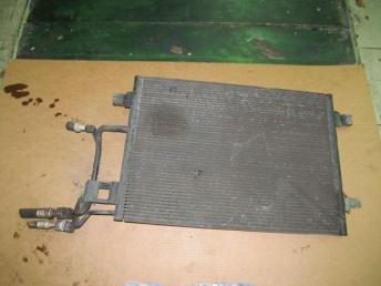 Радиатор кондиционера AUDI A6 (1998-2005) кроме 2.5 TDI БУ  4B0260403T