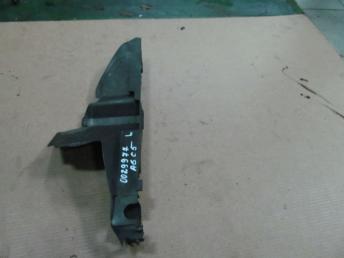 Воздуховод радиатора левый AUDI А6 (1998-2001) 1.8 / 1.9 БУ 4B0121283L