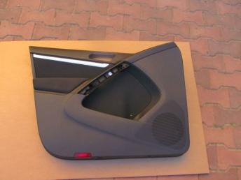 Обивка двери передняя левая чёрная VW TIGUAN (2008-2018) БУ 5N0867011B