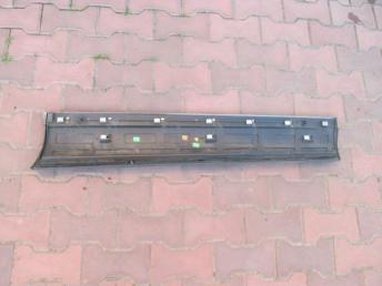 Молдинг двери передней левой нижний VW TOUAREG БУ  7P6854939M
