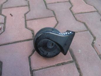 Звуковой сигнал AUDI / SEAT / SKODA / VW LOW низкий 3B0951221 БУ  3B0951221