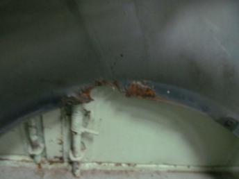 Крыло переднее правое VW PASSAT PLUS (2004-2005) без отверстия БУ сквозная ржавчина  3B0821106G