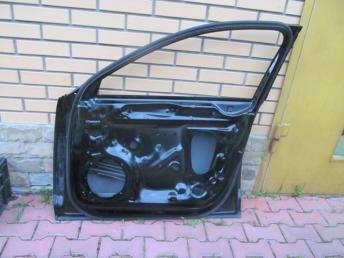 Дверь передняя правая AUDI A4 БУ 8W0831052