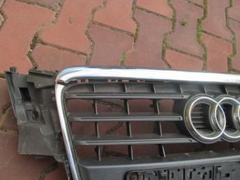 Решётка радиатора AUDI A4 БУ  8K0853651