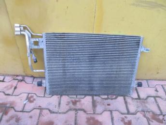 Радиатор кондиционера VW PASSAT B5 PLUS (2001-2005) / SKODA SUPER B (2002-2008) БУ  3B0260401B