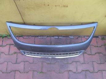 Решётка радиатора VW TOUAREG БУ  7L6853651H