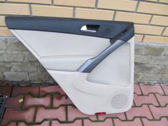 Обивка двери задняя левая бежевая VW TIGUAN (2008-2018) БУ 5N0867211G XPL
