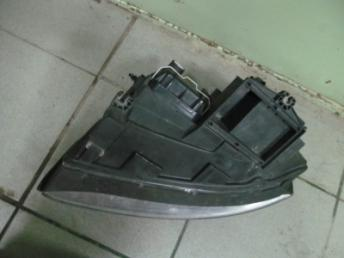 Фара правая галогенная AUDI A4 (2001-2005) БУ 8E0941030C