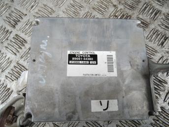 Блок управления двигателем Toyota Ipsum 8966144380