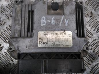 Блок управления двигателем VW Passat B6 03G906021NK