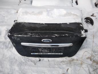 Крышка багажника Ford Focus 2 седан 1353382