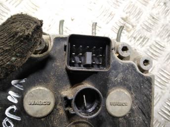 Блок ABS (насос) Land-Rover Freelander 1 SRB101230