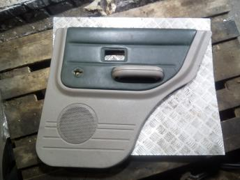 Обшивка двери Land-Rover Freelander 1 DPE000060