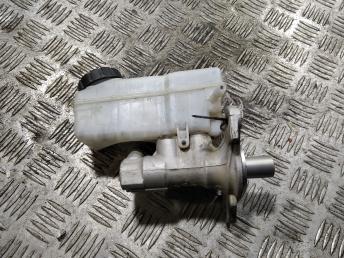 Цилиндр тормозной главный Renault 460111938R