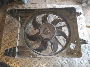 Вентилятор радиатора Renault 214815057R