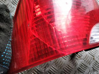 Фонарь задний левый Ford Focus 1 USA 2S4Z13405AA