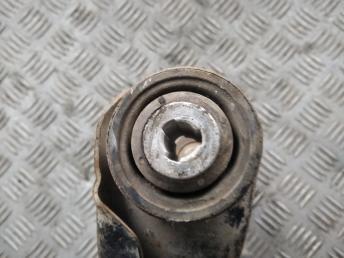 Рычаг передний левый Renault 8200942407