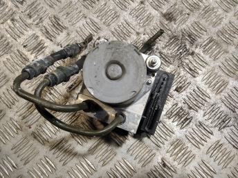 Блок ABS (насос) Kia Sorento 1 589103E500