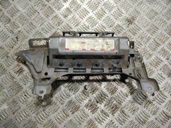 Подушка безопасности в колени Mitsubishi Lancer 10 7030A073YA