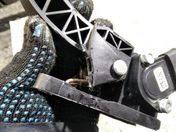 Педаль газа Kia Sorento/Starex H1 351904X600