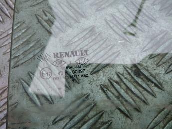 Форточка задней левой двери Renault Symbol 2 8200695960