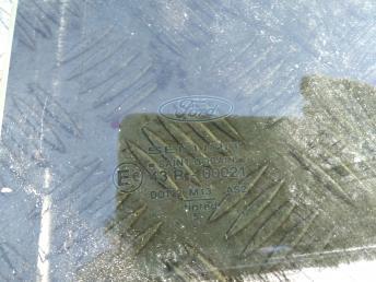 Стекло задней левой двери Ford Mondeo 3 1303631