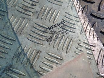 Стекло задней левой двери Renault Megane 2 8200493043