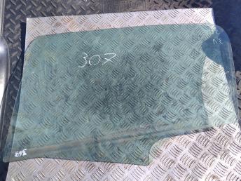 Стекло задней левой двери Peugeot 307 9203FJ