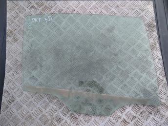 Стекло задней правой двери Skoda Octavia A5 1Z9845206A