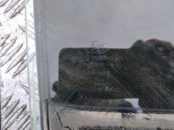 Стекло задней правой двери Hyundai Verna/Accent 3 834211E011