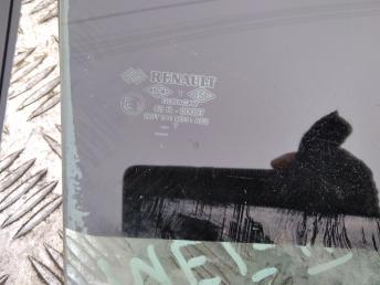 Стекло задней правой двери Renault Megane 2 8200493040