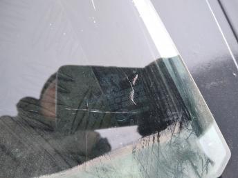 Стекло задней правой двери Peugeot 308 9204P5