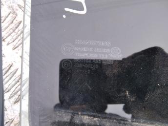 Стекло задней правой двери Санг Ёенг Актион Нью 7338634011